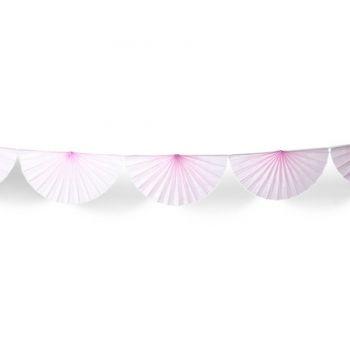 Girlanden aus Fächern aus rosa Papier
