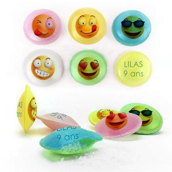 Personalisierte Süßigkeiten Smiley-Untertassen Dekor.