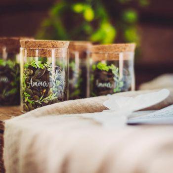 Glas fläschchen Pflanzliche Krone Liebe