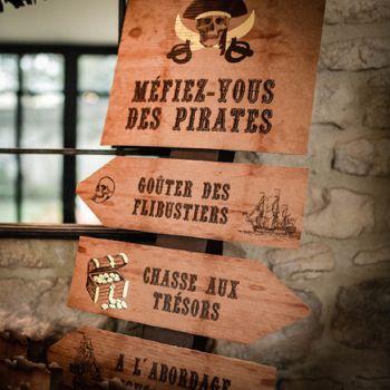 Panel 4 Pfeile Pirat