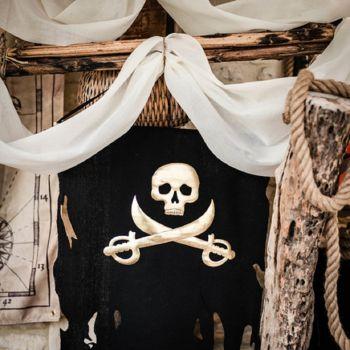 Piratenflagge schwarz und gold 77cm