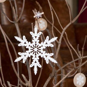 Aufhängung Schneeflocke aus weißem Holz